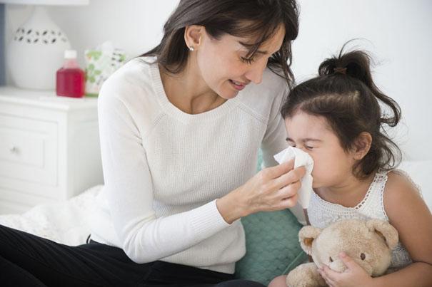 hạ sốt cho trẻ khi bé bị sốt
