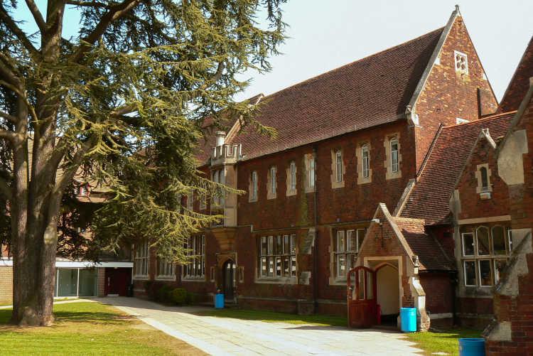 Hockerill-Anglo-European-College-Schulgebäude-2