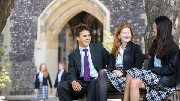 brighton-college-pupils-relaxing-in-quad-scholarships-trio