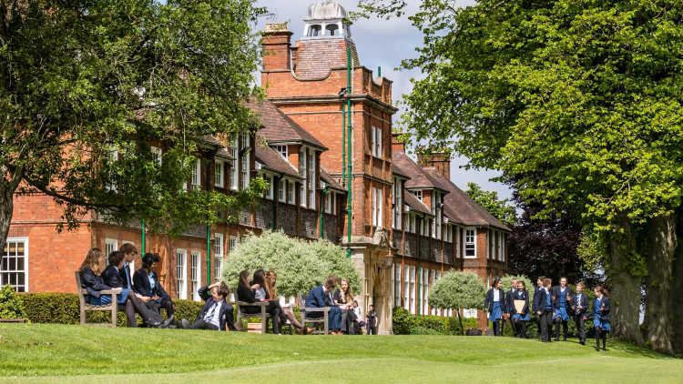 dauntseys-school-campus-b