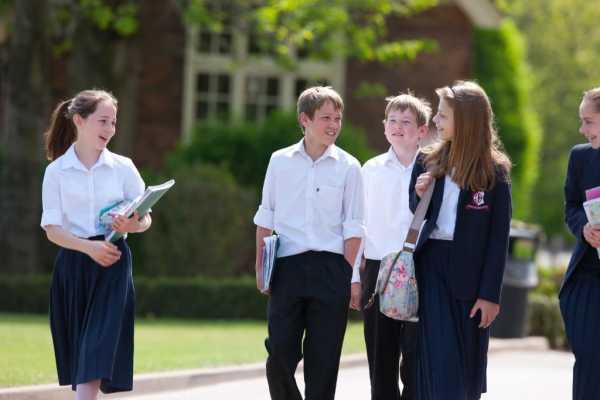Denstone College - Schüler werden ermutigt ihre Möglichkeiten im und außerhalb des Klassenzimmers wahr zunehmen