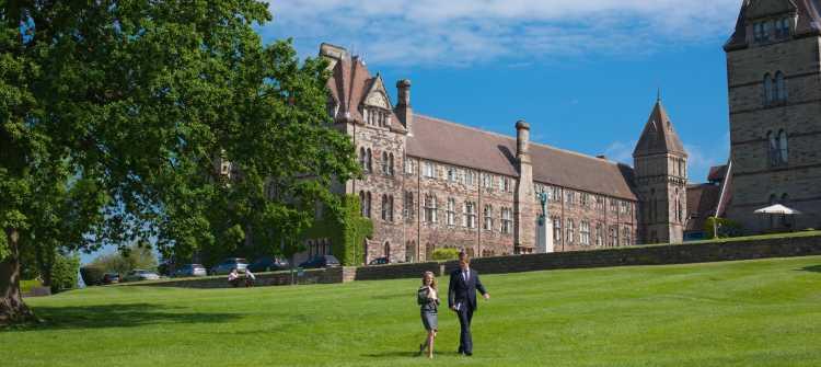 Denstone College - liegt sehr idyllisch und ländlich in Derbyshire