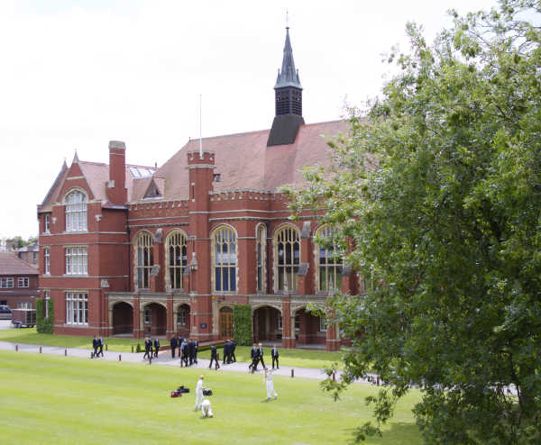Bedford School for Boys - achive very good academic results for A-level and IB