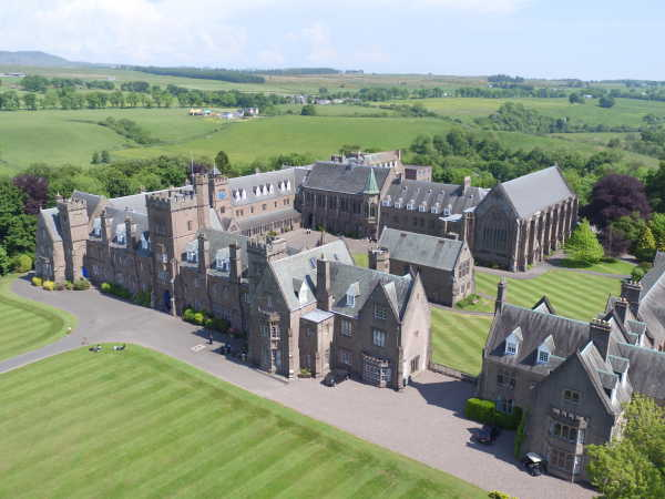 Glenalmond College - Edinburgh und Glasgow liegen nicht weit entfernt