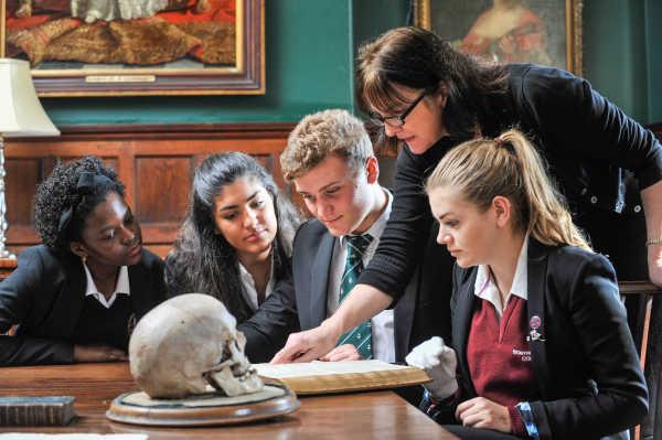 Stonyhurst College - traditionelles englisches Internat