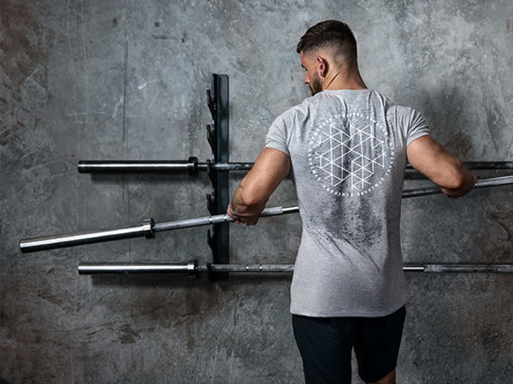 Gym Guide For Beginners: The 15 Best Ways To Feel Confident Going To The Gym Alone