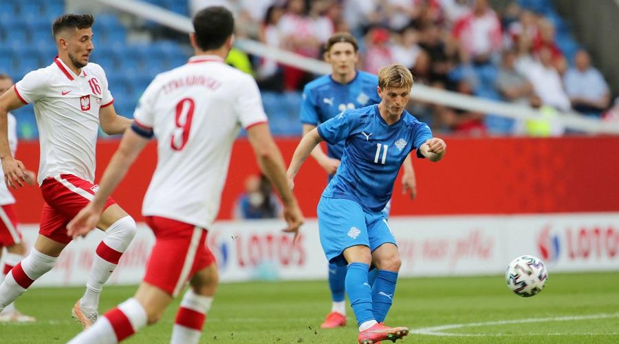 Polscy piłkarze w meczu ze Słowacją
