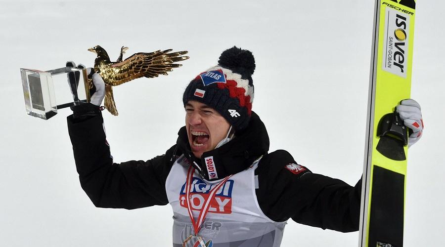 Kamil Stoch z trofeum Złotego Orła za wygranie Turnieju Czterech Skoczni
