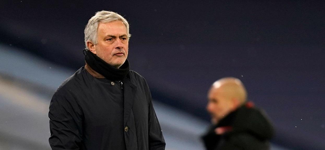 Jose Mourinho podczas meczu Premier League