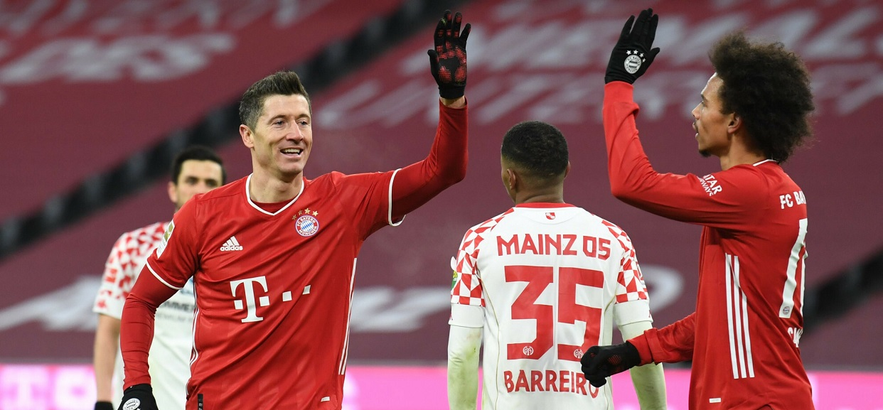 Robert Lewandowski i piłkarze Bayernu Monachium
