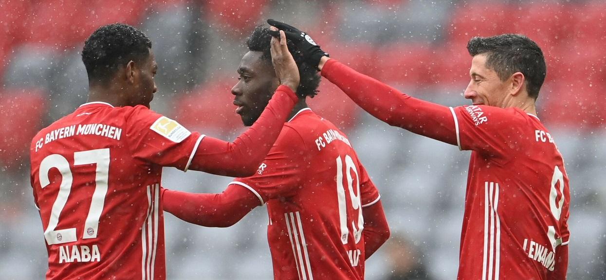 Bayern Monachium - David Alaba, Alphonso Davies i Robert Lewandowski