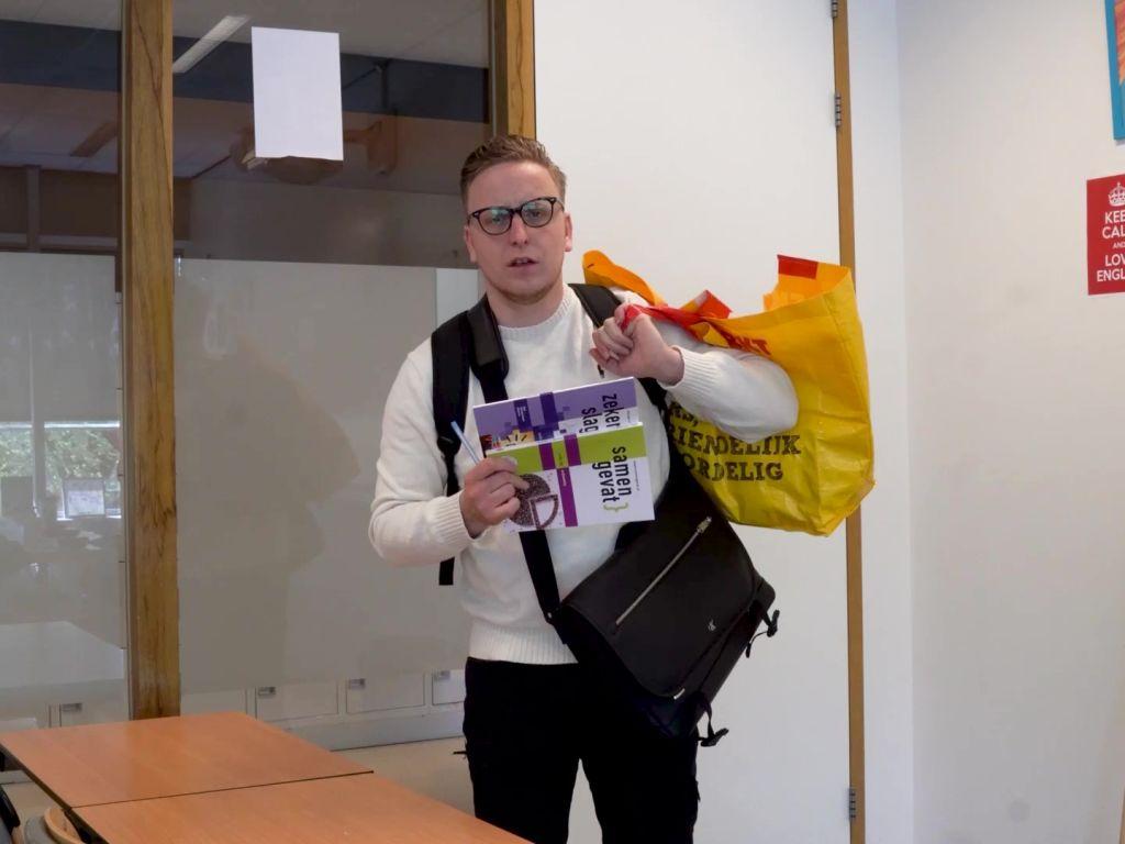VIDEO #MotivatieMaandag met Meestervlogger Weet wat je mee mag nemen naar je examen!