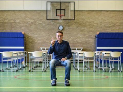 Vlammen op dat schoolexamen geschiedenis. Geschiedenisdocent Rens Goedknegt geeft je vijf tips waarmee jij geschiedenis gaat schrijven!