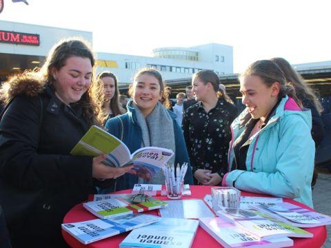 examenbundels samengevat examenidioom leerlingen bustour eindexamen 40 jaar