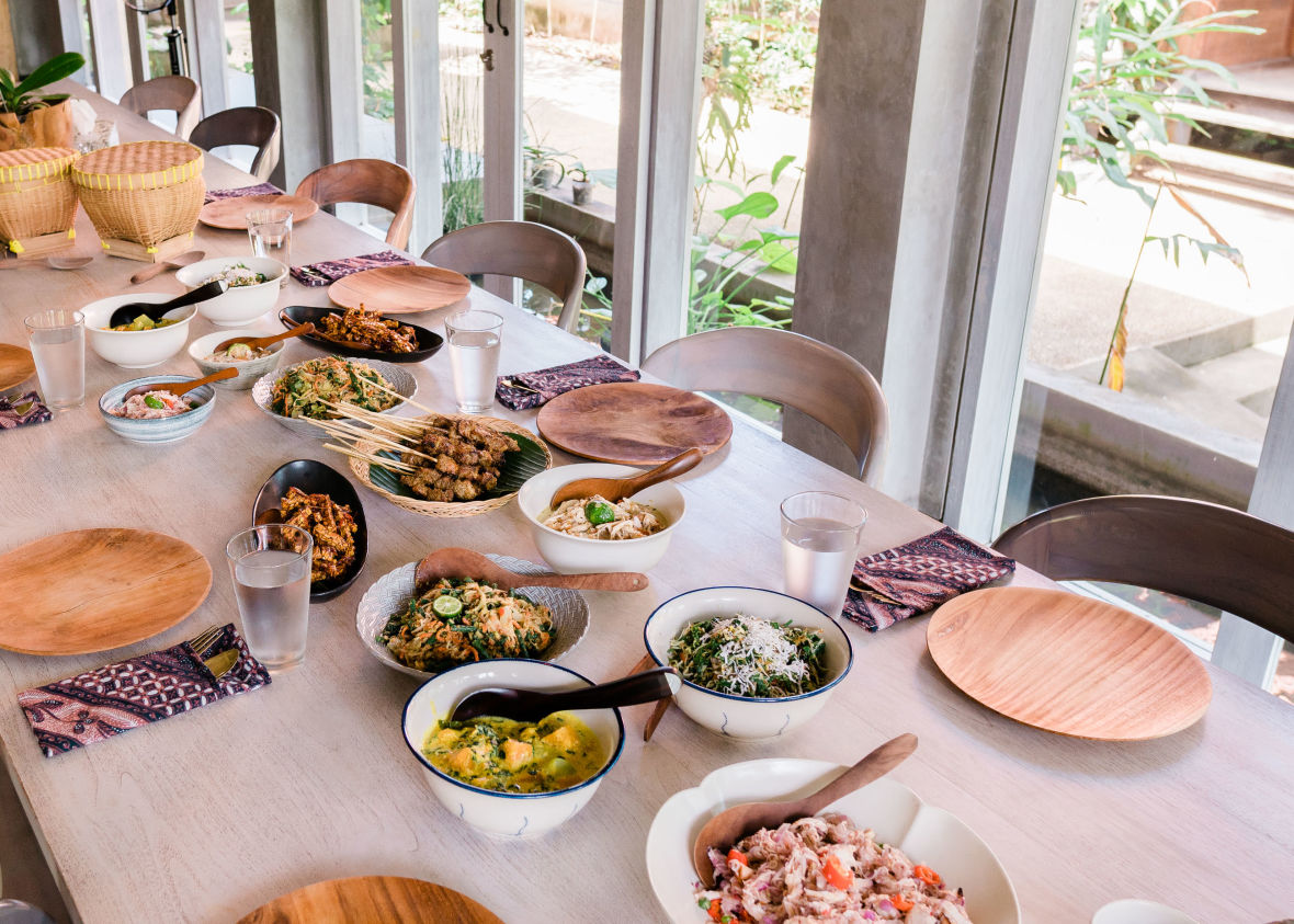Preparing an Authentic Balinese Feast at Tresna Bali Cooking School