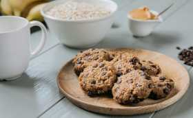 Vegan Chocolate Chip Cookies Recipe That's Natural and Easy