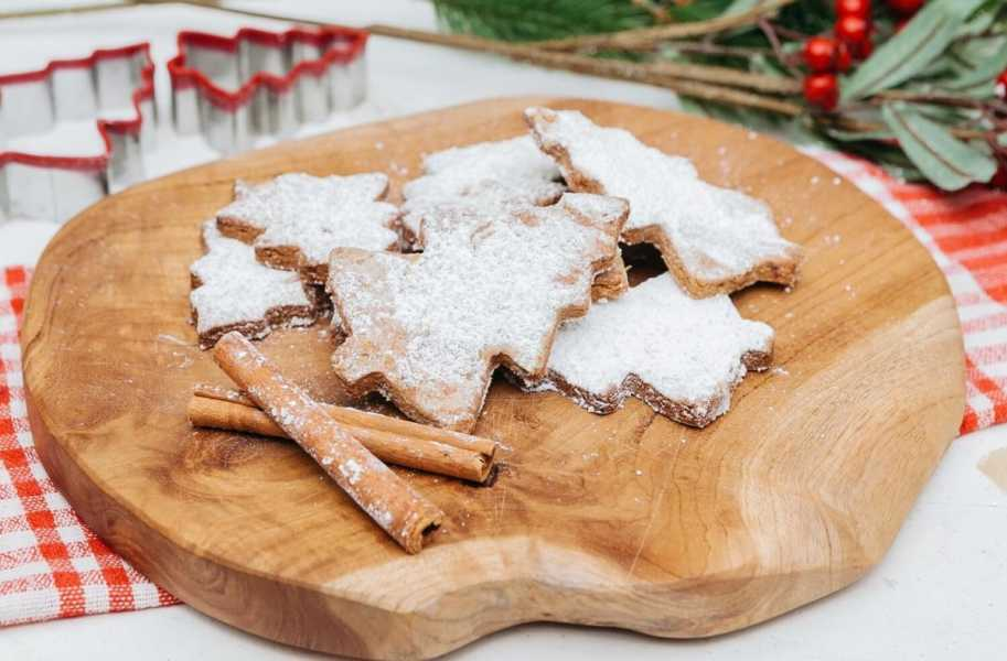 healthy-holiday-desert-Almond-Date-Cookies 2