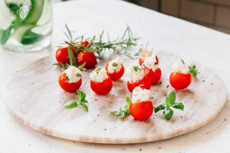 Basil and Goat's Cheese Tomato Bites