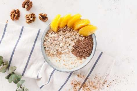 recipe oats with orange yogurt and walnuts