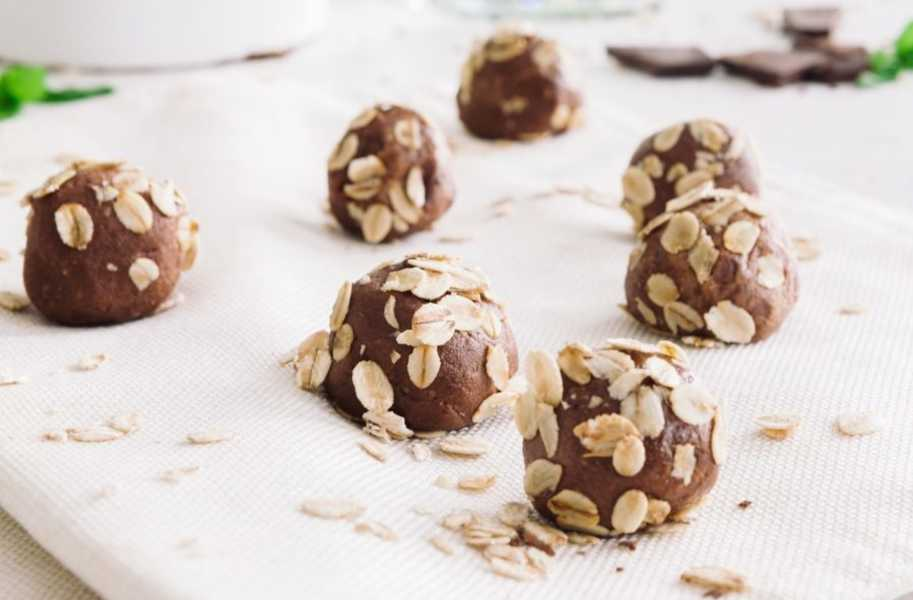 keto diet snacks chocolate mint energy balls