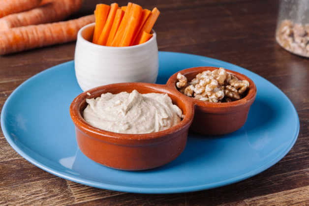 hummus carrots and walnuts