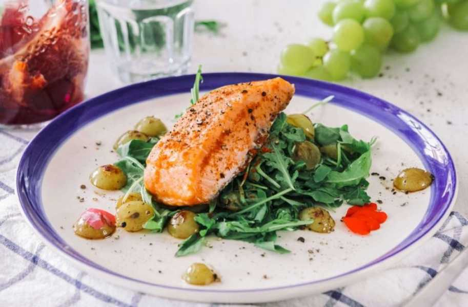 deared salmon with rosemary grapes