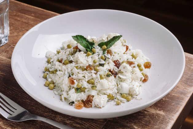 rice with peas raisins mint and lemon