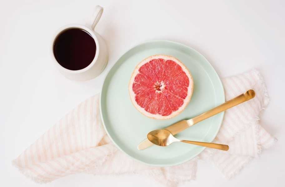 morning grapefruit breakfast at home