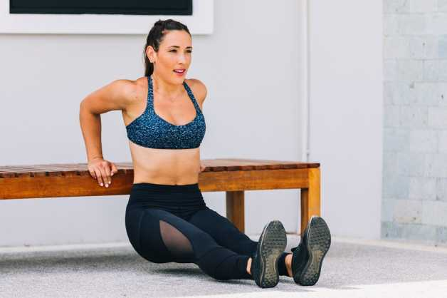 workout-home-female-dips