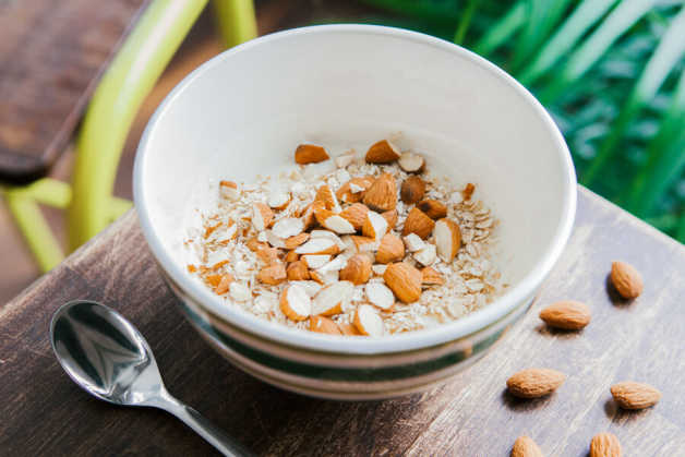 High-protein breakfast, almonds and oats