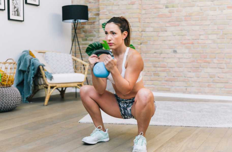Fitness Female Alba Indoors Glutes Squat Weights Legs Thighs Kettle-Bell