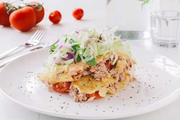 tuna-and-tomato-omlette-recipe-quick-healthy-breakfast