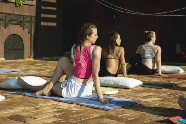 yoga-outdoors ibiza