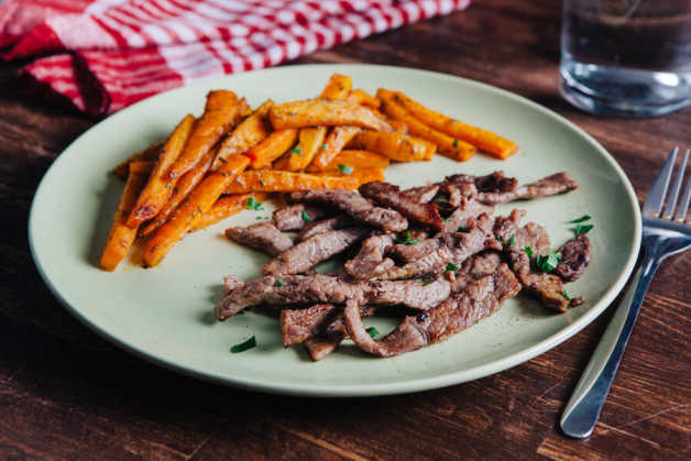 spice roasted carrots with sirloin beef