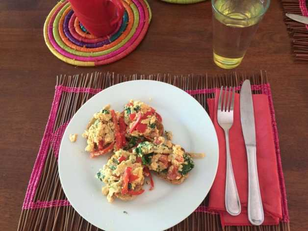 bulgarian scramble eggs