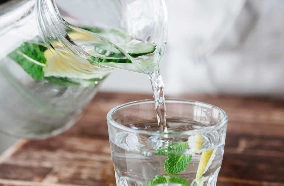 flavored-water-lose-weight-healhy-calories-in-drinks