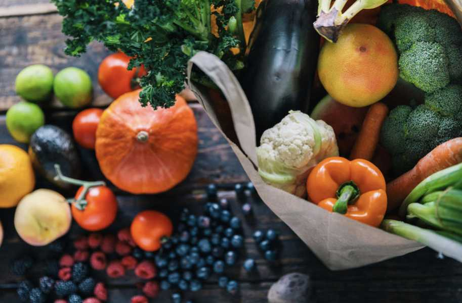 Fruit and vegetables in paper bag