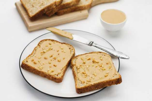 peanut-butter-sandwich-vegan-weight-loss-meal-plan-diet