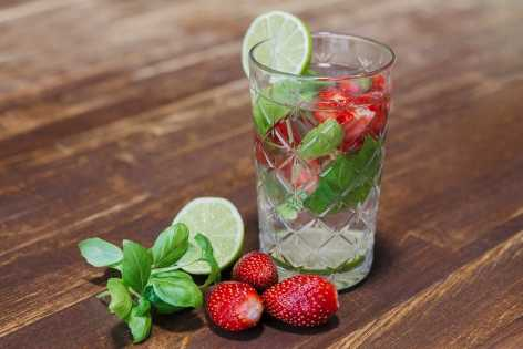 Strawberry-and-basil-cooler-water-flavoured-healthy