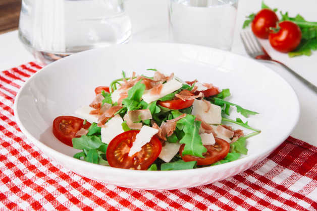 italian rocket salad with serrano