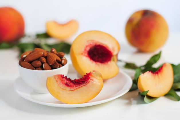 peach slices and almonds