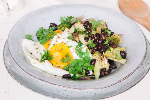 vegetable-and-egg-bowl-e1527854810334