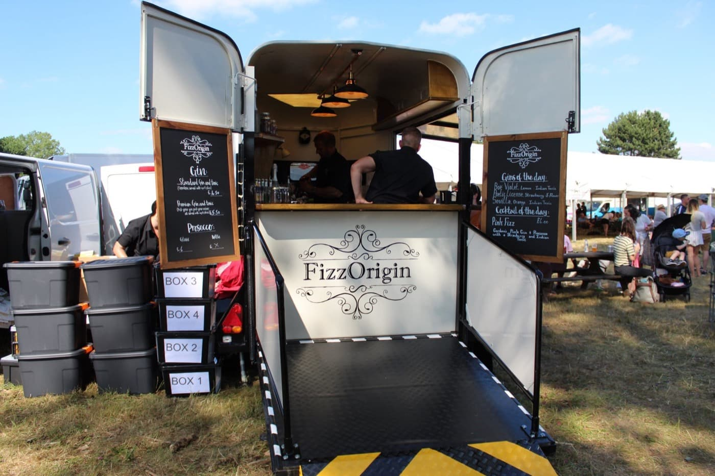 Feast-It-Fizz-Origin-Mobile-Bar-Gin-Cocktails-Unique-Bar-Wedding-Horsebox-Event-Catering-Book-Now-eleven