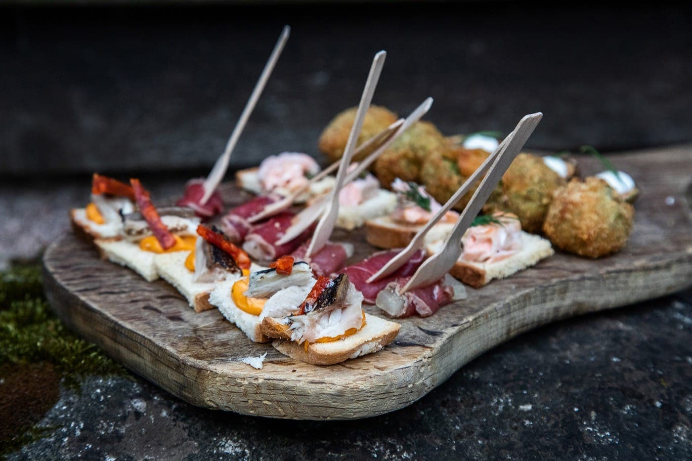 Feast-It-Veni-and-Son-Street-Food-Venison-Event-Catering-Mobile-Caterer-British-Food-Book-Now-two