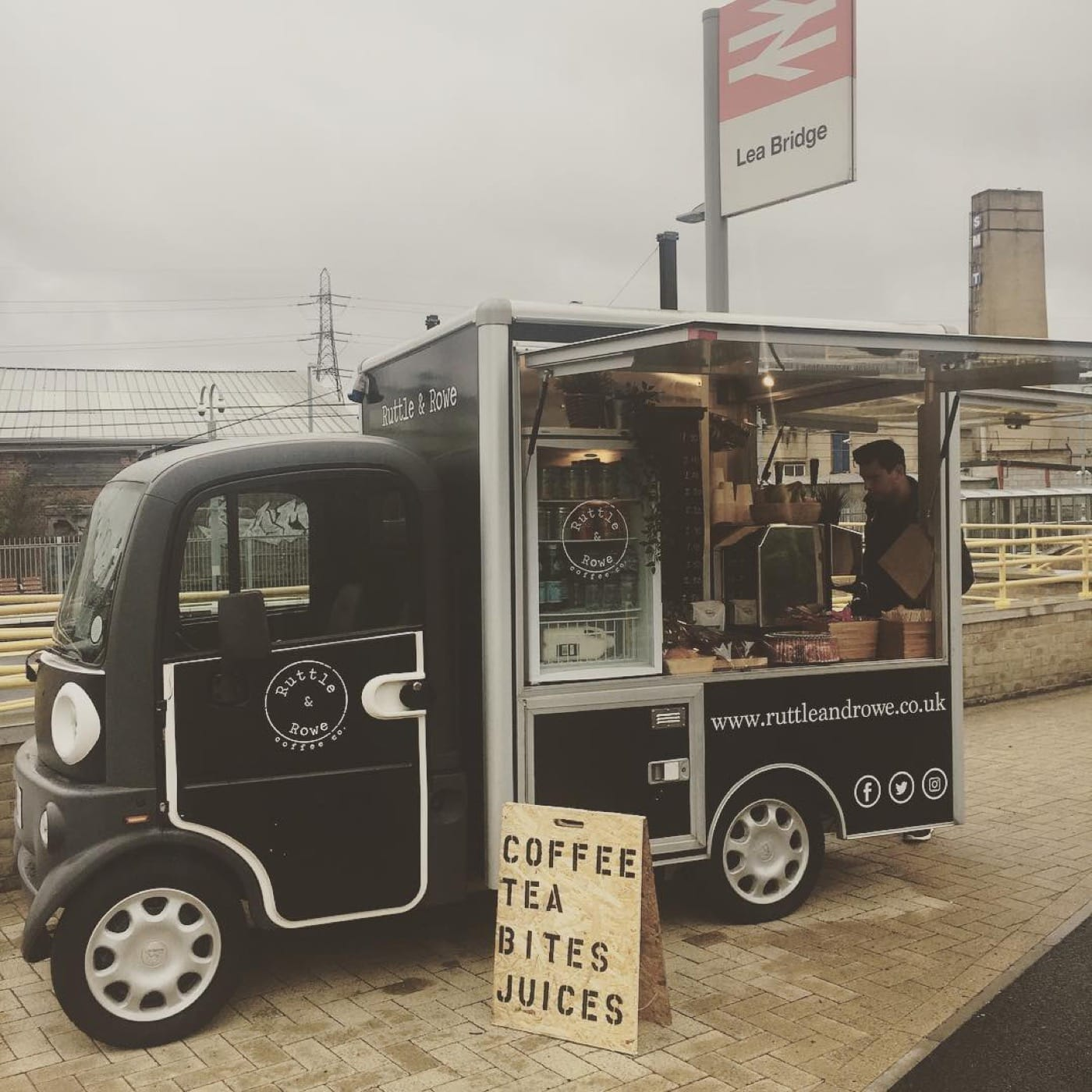 Feast-It-Ruttle-and-Rowe-Mobile-Coffee-Van-Street-Food-Espresso-Martinis-Speciality-Coffee-Event-Catering-Wedding-Catering-Book-Now