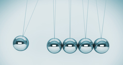 featured - pendulum balls