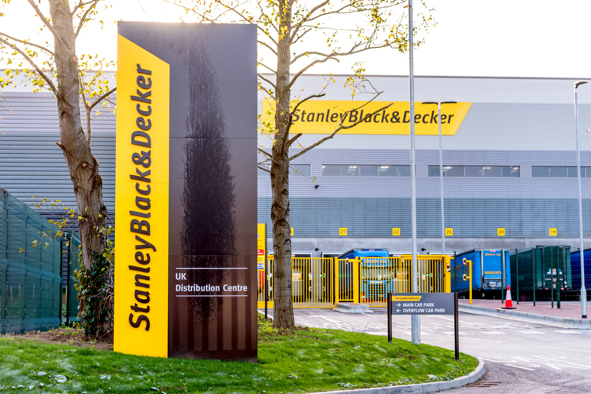 Stanley Black And Decker Builders Merchant logo