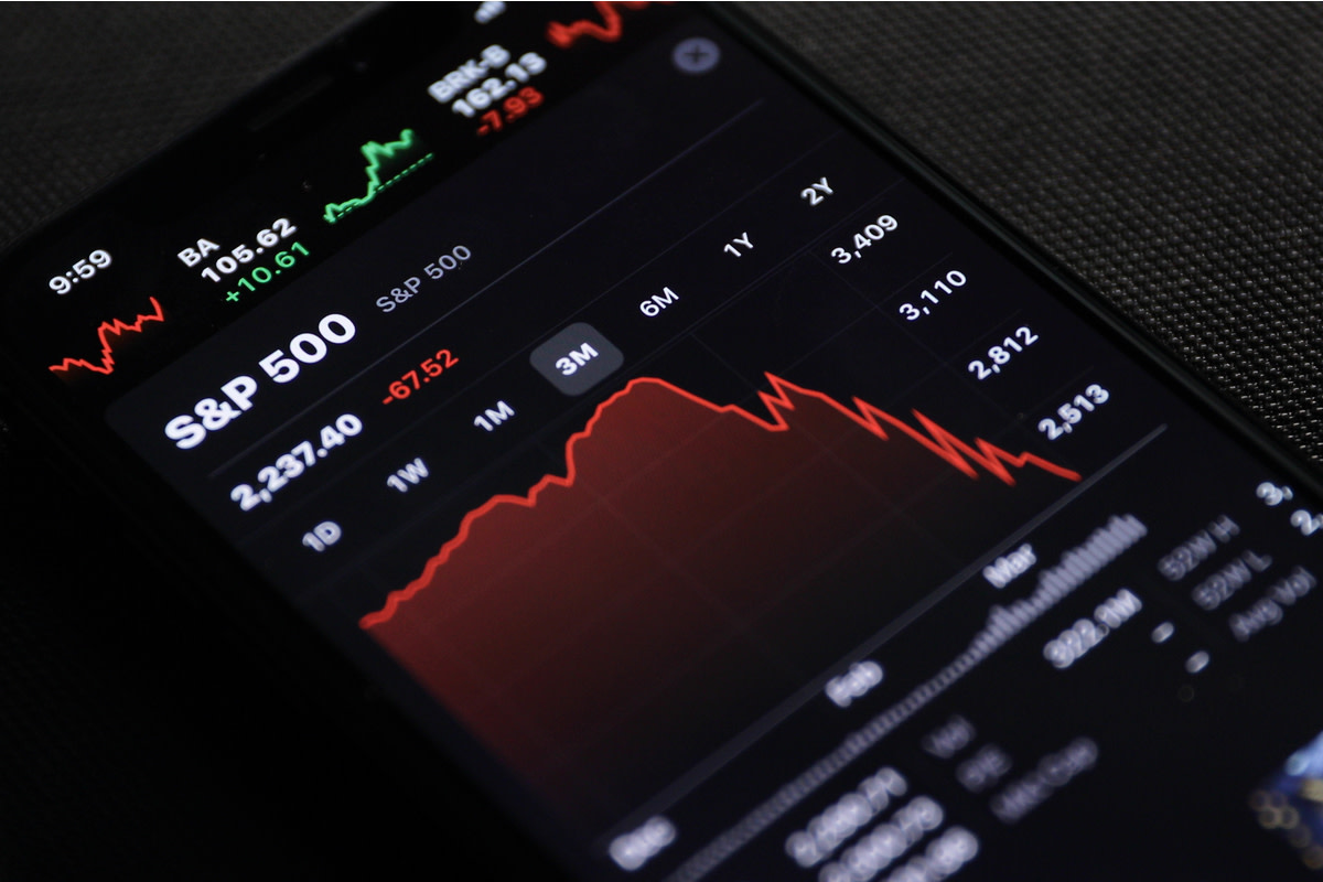 mobile phone to check stock market data