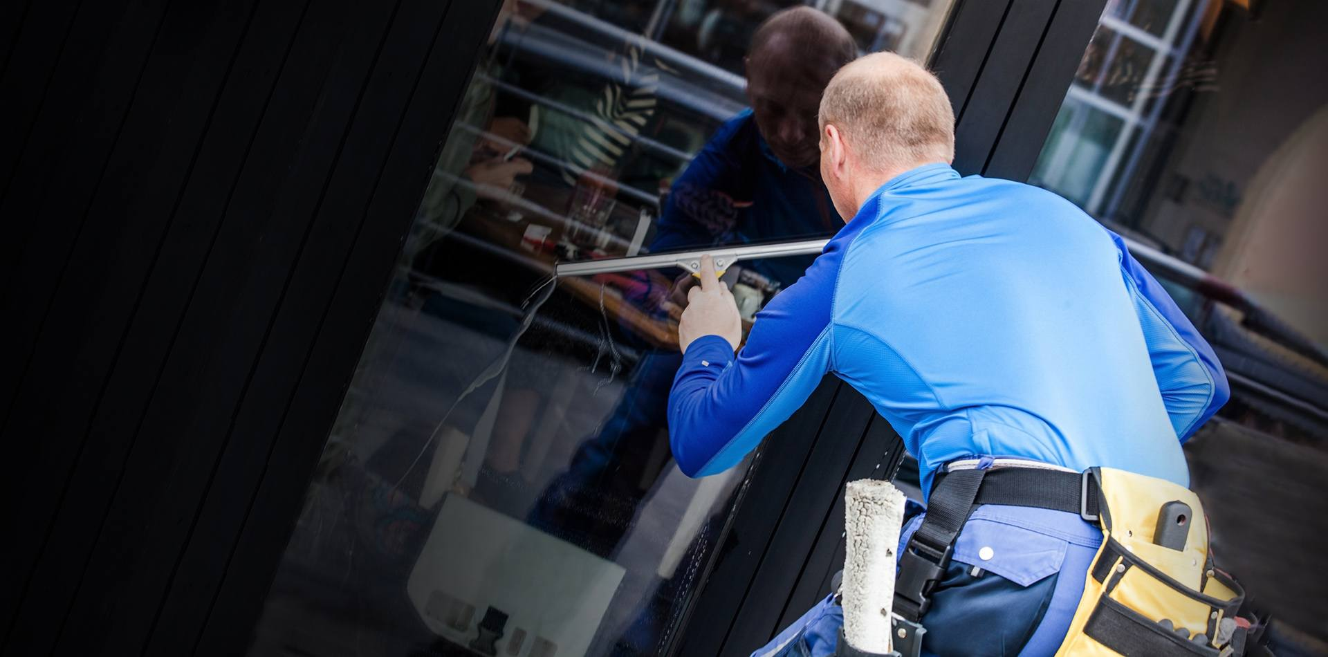 window-cleaning-hero-desktop