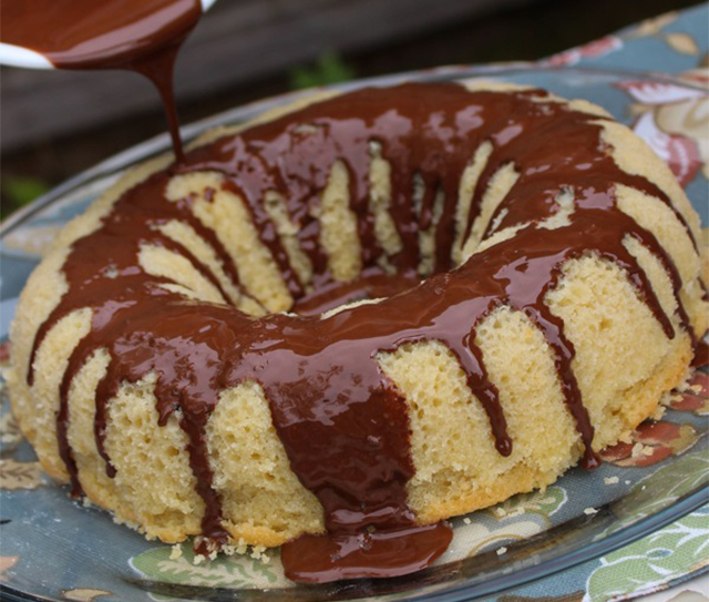 gluten-free-vanilla-almond-cake-with-coconut-ganache edited